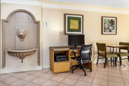 business center   La Quinta Inn by Wyndham Tampa Bay Airport