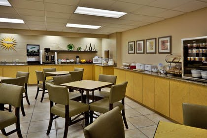 Property amenity | La Quinta Inn & Suites by Wyndham St. Pete-Clearwater Airpt