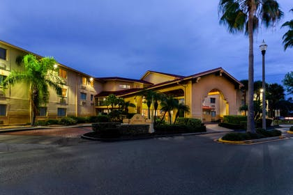 Exterior | La Quinta Inn & Suites by Wyndham St. Pete-Clearwater Airpt