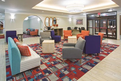 Lobby | La Quinta Inn & Suites by Wyndham Gallup