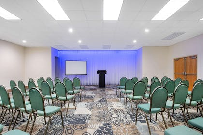 Meeting Room | La Quinta Inn by Wyndham Clearwater Central