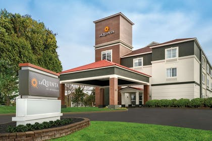 Exterior | La Quinta Inn & Suites by Wyndham Latham Albany Airport