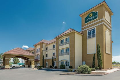 Exterior | La Quinta Inn & Suites by Wyndham Deming