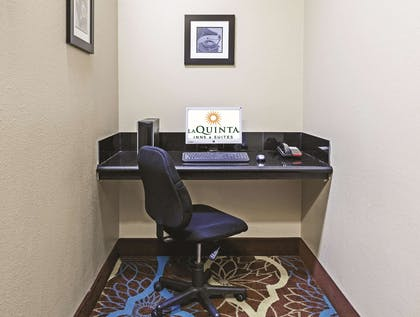 Business Center | La Quinta Inn & Suites by Wyndham Pearland