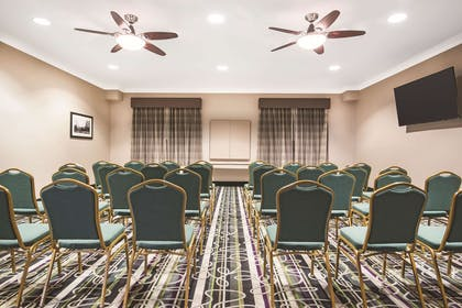 Meeting Room | La Quinta Inn & Suites by Wyndham Modesto Salida