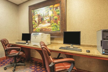 Business Center | La Quinta Inn & Suites by Wyndham Oklahoma City - Moore