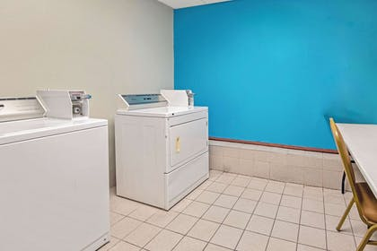 Laundry | La Quinta Inn & Suites by Wyndham Oklahoma City - Moore
