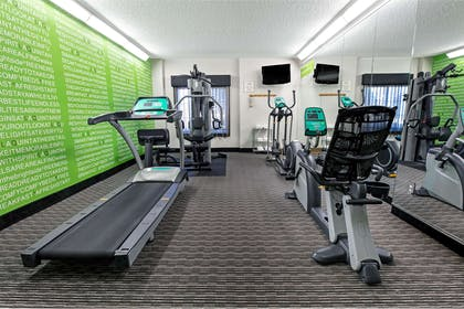 Health club | La Quinta Inn & Suites by Wyndham Dallas Arlington South