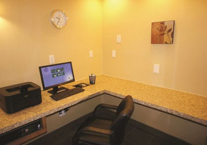 Business Center | La Quinta Inn & Suites by Wyndham Raleigh Cary