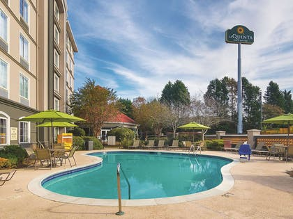 Pool | La Quinta Inn & Suites by Wyndham Atlanta Conyers