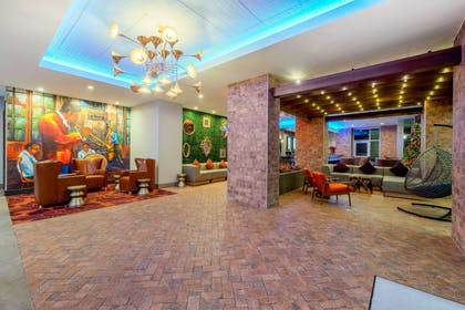 Lobby | La Quinta Inn & Suites by Wyndham New Orleans Downtown