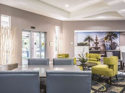 Property amenity | La Quinta Inn & Suites by Wyndham Orlando Lake Mary