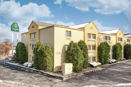 Exterior | La Quinta Inn by Wyndham Cleveland Independence