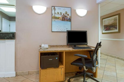 Business Center | La Quinta Inn by Wyndham Cleveland Independence