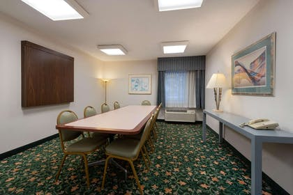 Meeting Room | La Quinta Inn by Wyndham Cleveland Independence
