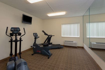Health club | La Quinta Inn & Suites by Wyndham Jacksonville Mandarin