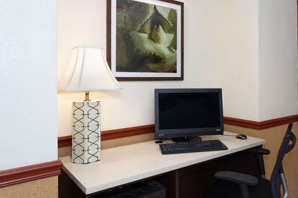 Business Center | La Quinta Inn & Suites by Wyndham Jacksonville Mandarin