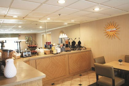 Property amenity | La Quinta Inn & Suites by Wyndham Orlando South