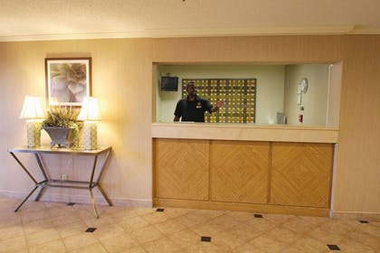 Lobby | La Quinta Inn & Suites by Wyndham Orlando South