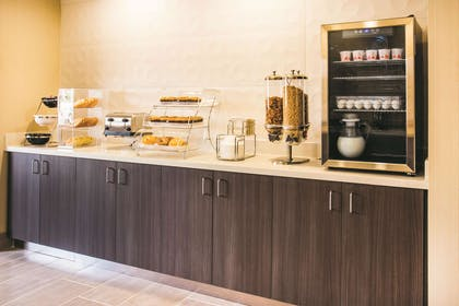 Property amenity | La Quinta Inn & Suites by Wyndham Cincinnati NE - Mason