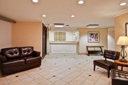 Lobby   La Quinta Inn & Suites by Wyndham Tampa Fairgrounds - Casino
