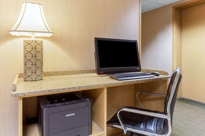Business Center | La Quinta Inn by Wyndham Chicago Willowbrook