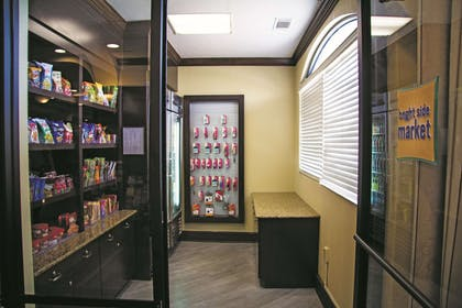 Property amenity | La Quinta Inn & Suites by Wyndham Downtown Conference Center