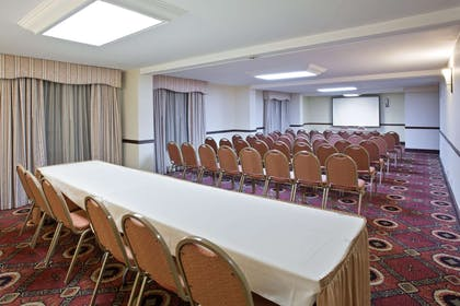 Meeting Room | La Quinta Inn & Suites by Wyndham Downtown Conference Center