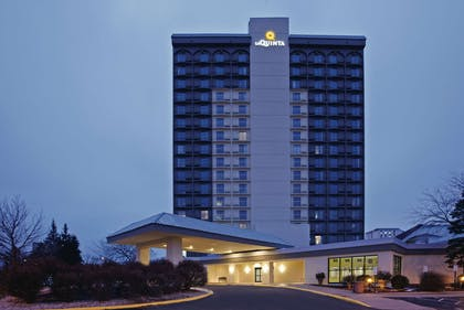 Exterior | La Quinta Inn & Suites by Wyndham Minneapolis Bloomington W