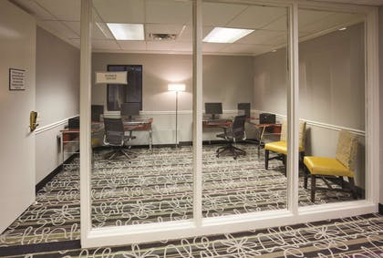 Business Center | La Quinta Inn & Suites by Wyndham Minneapolis Bloomington W
