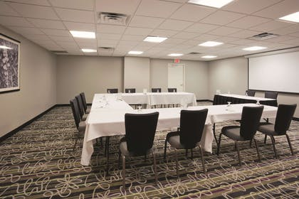 Meeting Room | La Quinta Inn & Suites by Wyndham Minneapolis Bloomington W