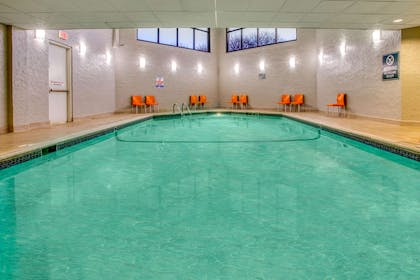 Pool | La Quinta Inn & Suites by Wyndham Minneapolis Bloomington W
