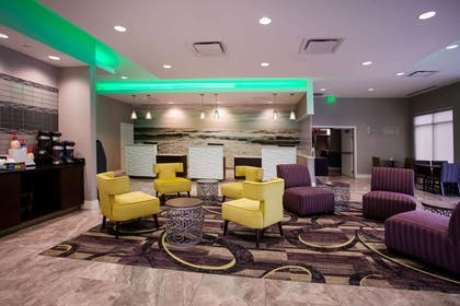 Lobby | La Quinta Inn & Suites by Wyndham Virginia Beach