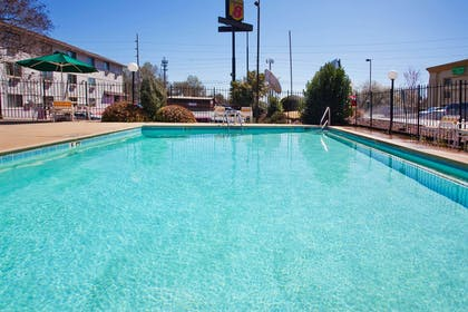 Pool | La Quinta Inn & Suites by Wyndham Columbus State University