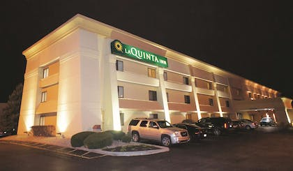 Exterior | La Quinta Inn by Wyndham Indianapolis Airport Executive Dr