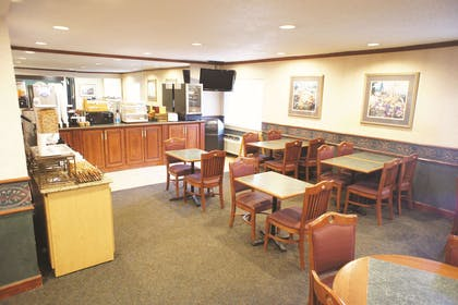 Property amenity | La Quinta Inn by Wyndham Indianapolis Airport Executive Dr