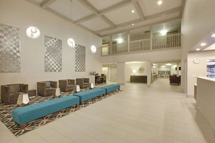 Lobby | La Quinta Inn & Suites by Wyndham Rockwall