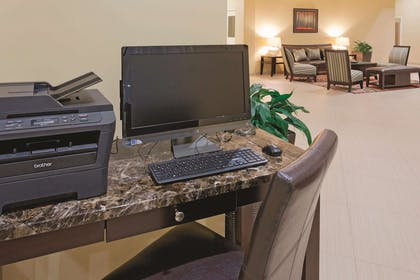 Business Center | La Quinta Inn & Suites by Wyndham Inglewood