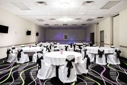 Meeting Room | La Quinta Inn by Wyndham Davenport & Conference Center