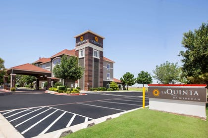 Exterior | La Quinta Inn & Suites by Wyndham Lubbock North