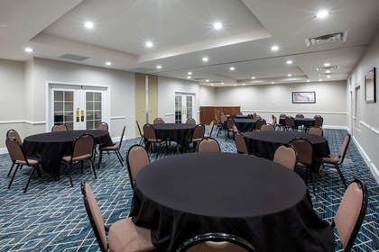 Meeting Room | La Quinta Inn & Suites by Wyndham Lubbock North