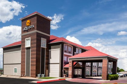 exterior day | La Quinta Inn & Suites by Wyndham Midland North