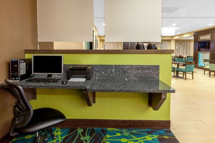 Business Center | La Quinta Inn & Suites by Wyndham Midland North