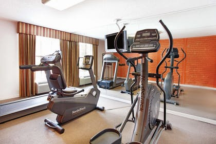 Health club | La Quinta Inn by Wyndham Orlando International Drive North