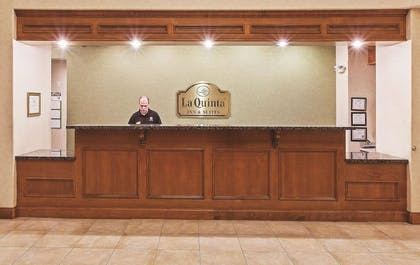 Lobby | La Quinta Inn & Suites by Wyndham I-20 Longview South