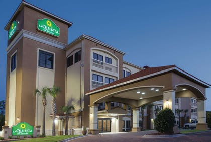 Exterior | La Quinta Inn & Suites by Wyndham Fort Walton Beach
