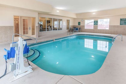 Pool | La Quinta Inn & Suites by Wyndham Hobbs