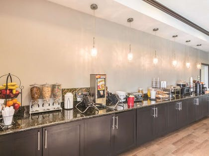 Property amenity | La Quinta Inn & Suites by Wyndham Fort Worth - Lake Worth