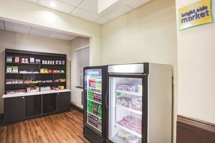 Property amenity | La Quinta Inn & Suites by Wyndham Allen at The Village