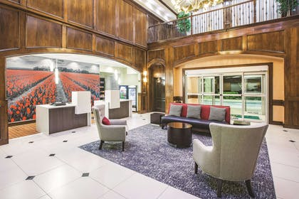 Lobby | La Quinta Inn & Suites by Wyndham Allen at The Village
